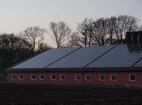 hallendach_mit_solaranlage_dertm_P3126402